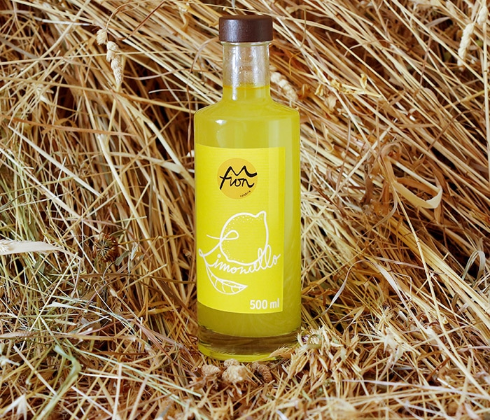 Our Limoncello liqueur is made of 100% homegrown Calabrian lemons in Martirano Lombardo.